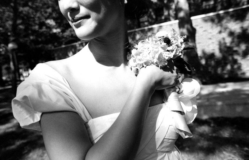 04 post-ceremony - 01 Cynthia bouquet
